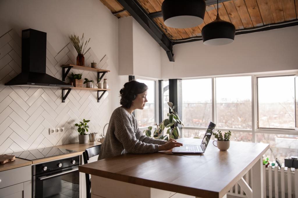 people-woman-coffee-desk-4049990-1024x682 noua
